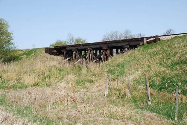 S. side trestle